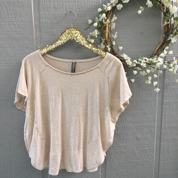 Anthropologie Tops - Anthropologie basic ruffle tee. Size small.